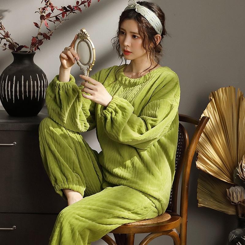 気質溢れる♪  ラウンドネック 長袖 無地 パッド入り 長袖パジャマ・厚手 パジャマ